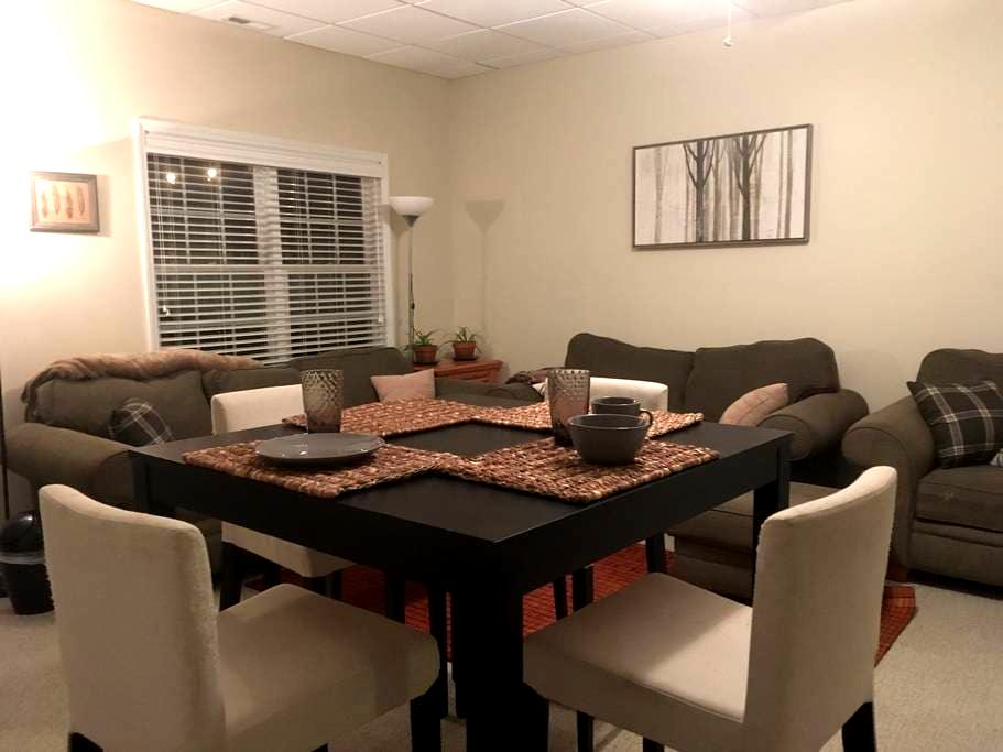 Private and spacious suite near downtown and UNC - Chapel Hill - Appartement