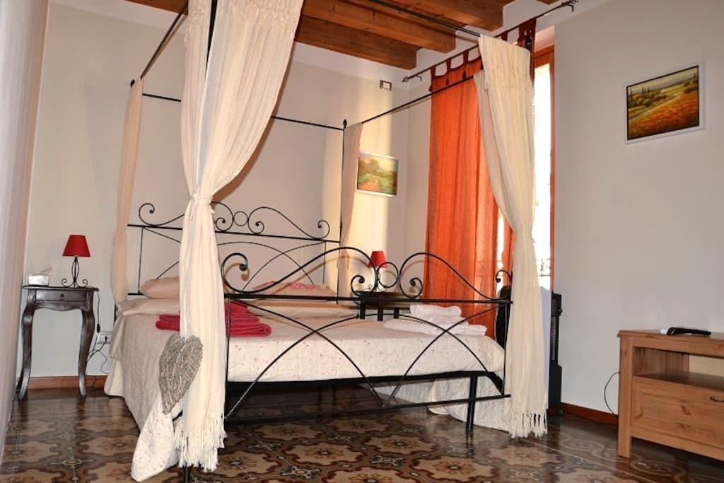 Affascinante Camera doppia - Verona - Bed & Breakfast