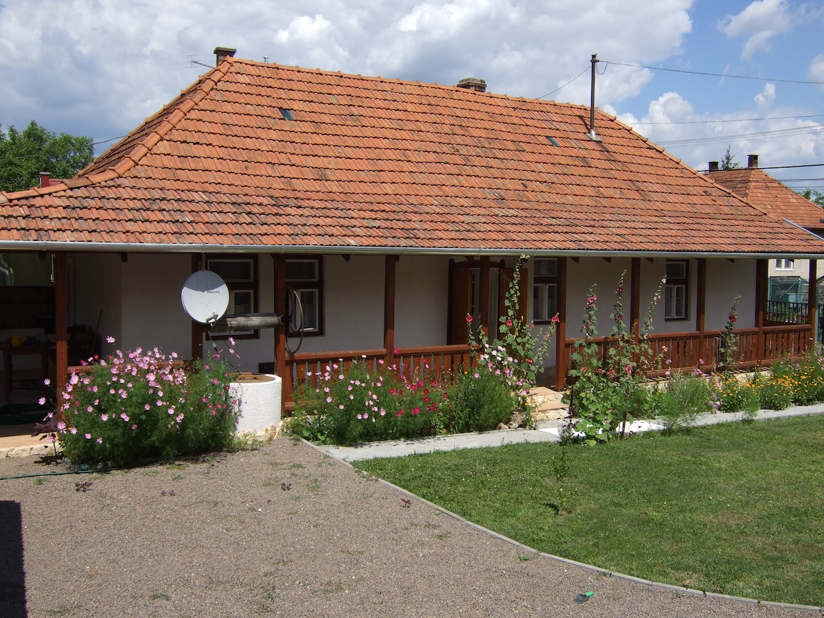 Knight Cottage, Bodony, Hungary