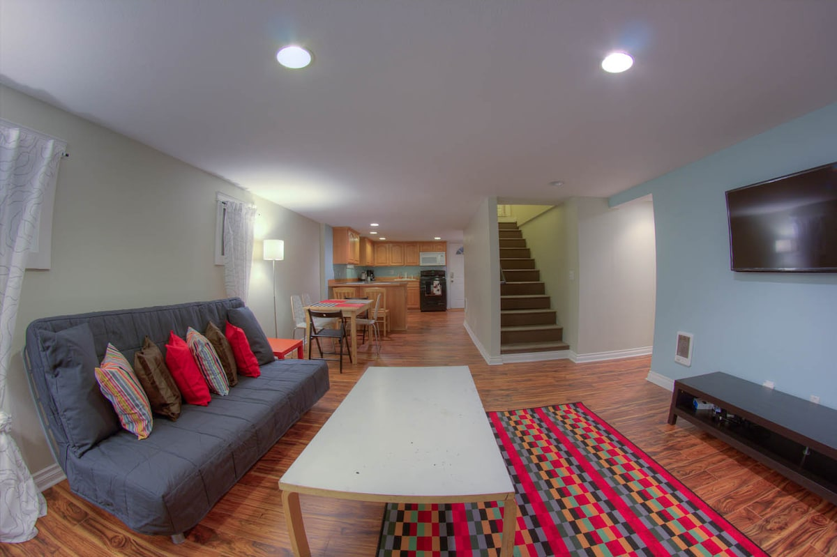 2 BR in the Heart of Hawthorne