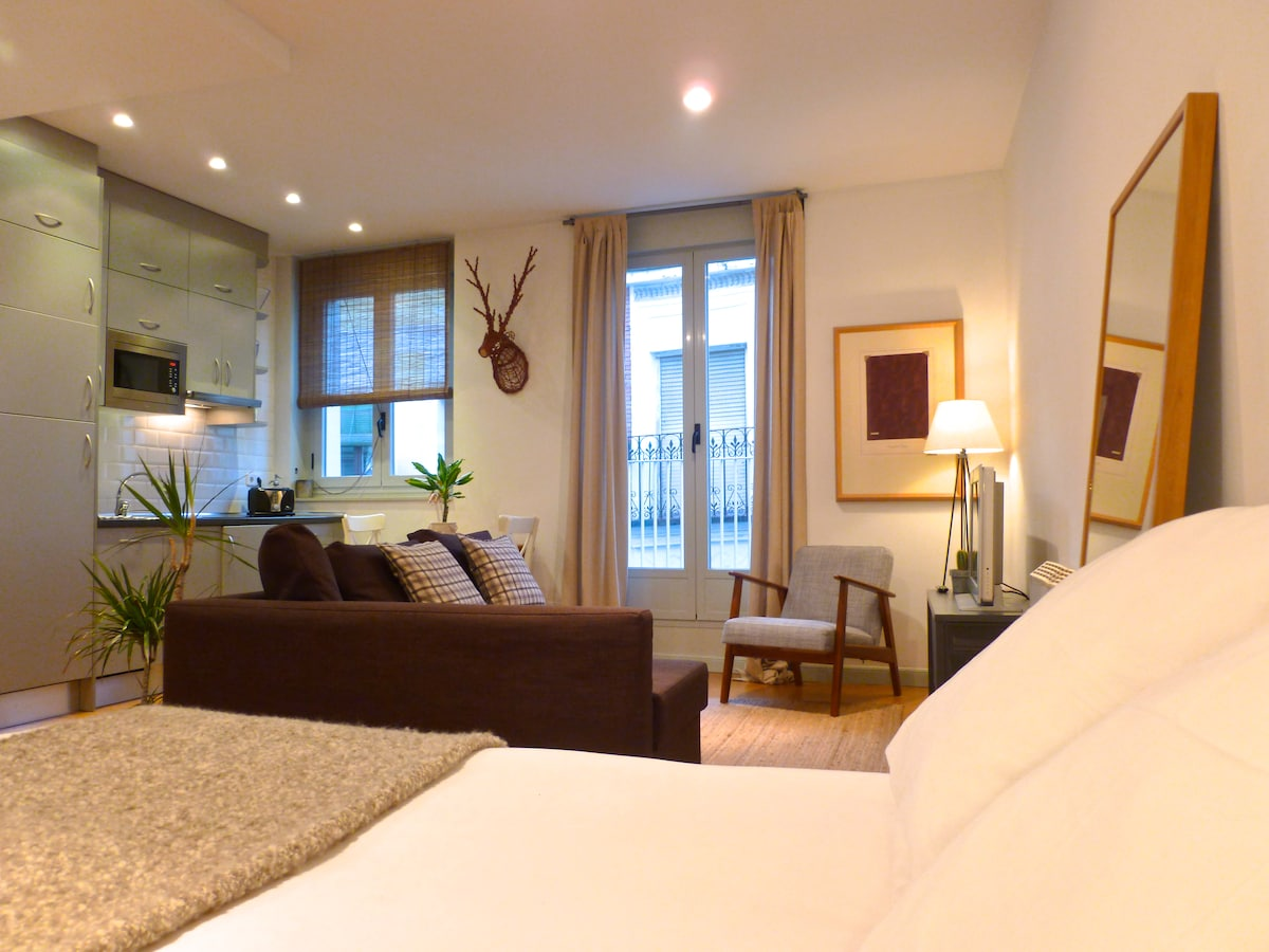 Loft Madrid with WIFI AC