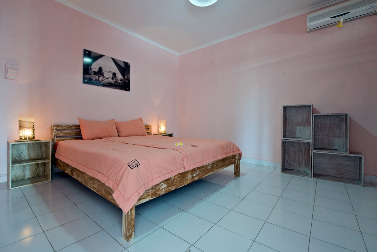 Cheap longtime surf stay in Canggu