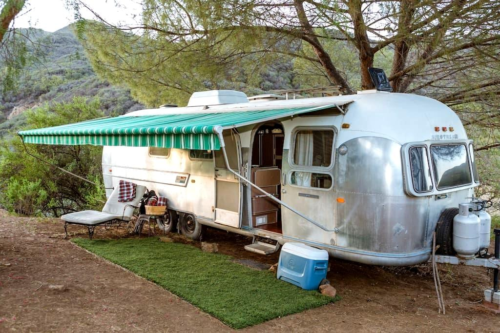 Airstream Vintage Adventure- Pt. 2 - Malibu