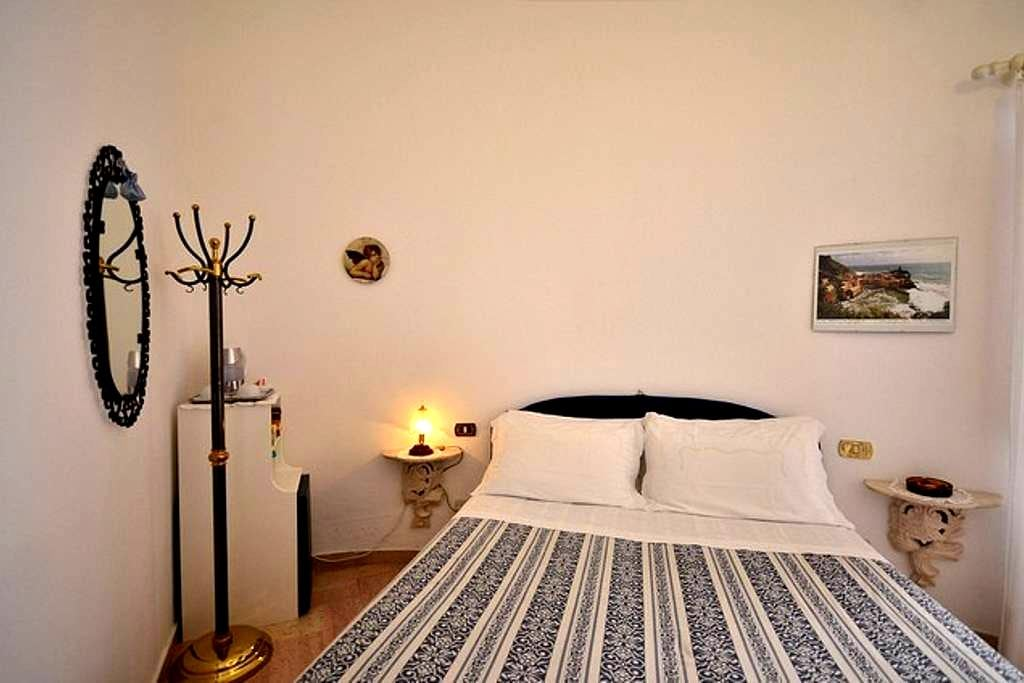 B&B Villa Guglielmina - Vernazza - Bed & Breakfast