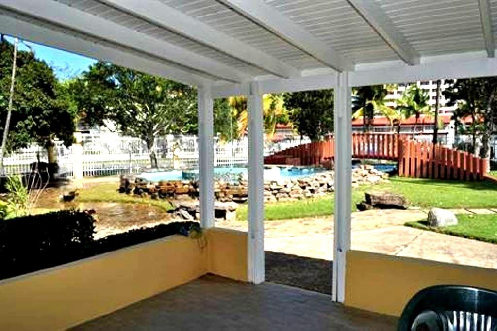Steps from Beach, Private Room - Dorado - Villa