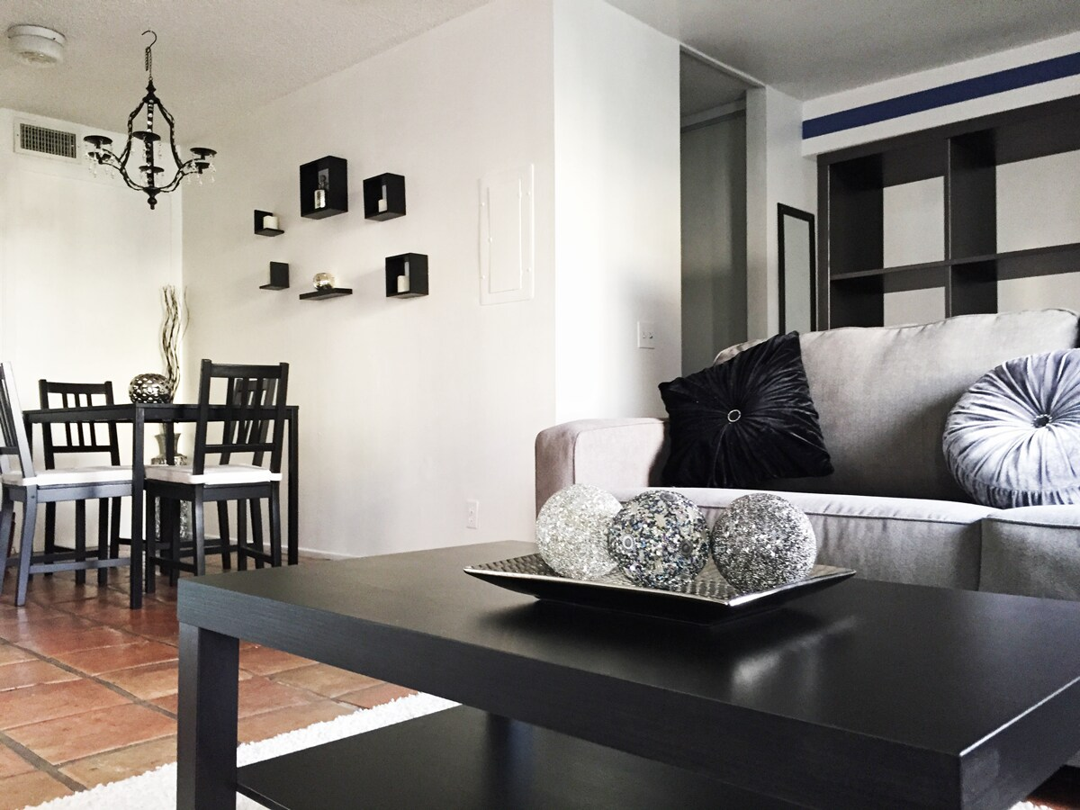 Stylish Apt by the Canals [SPECIAL]