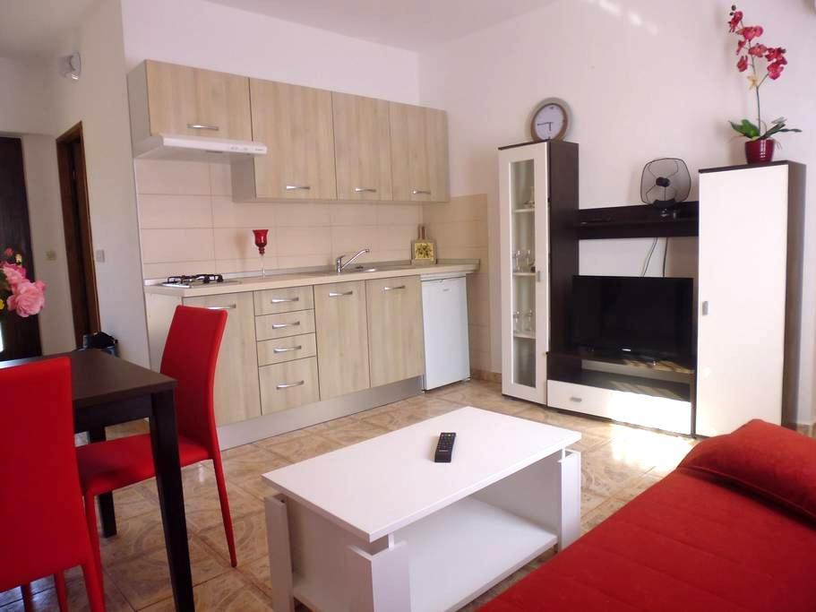 Beautiful apartment Sneky in Pula - Galižana - アパート