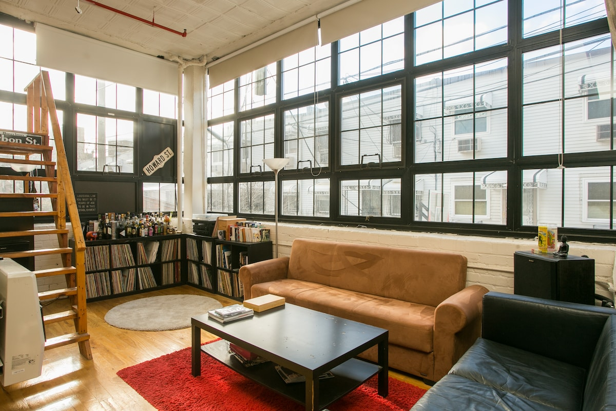 Beautiful Sunny Loft Brooklyn