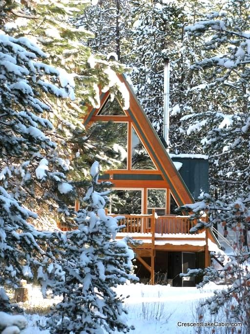 Pet-Friendly, Secluded Cabin on Crescent Creek - Crescent - Cabane
