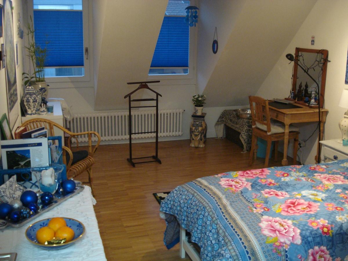 Ausziehbares Bett für 1-2 Personen in Privatzimmer mit Bad