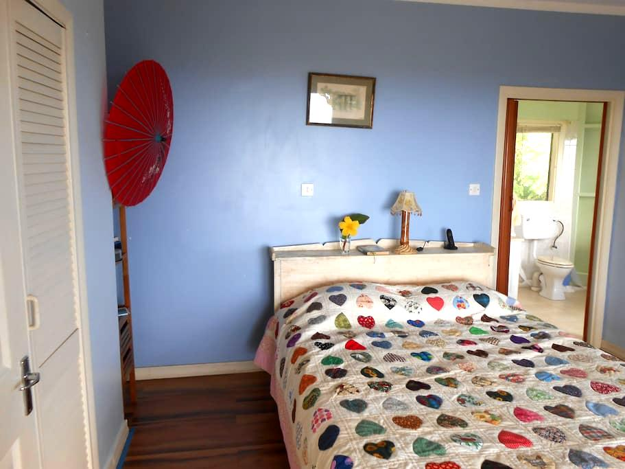 Seaview Ensuite at Ezulwini Cottage - Bed & Breakfast