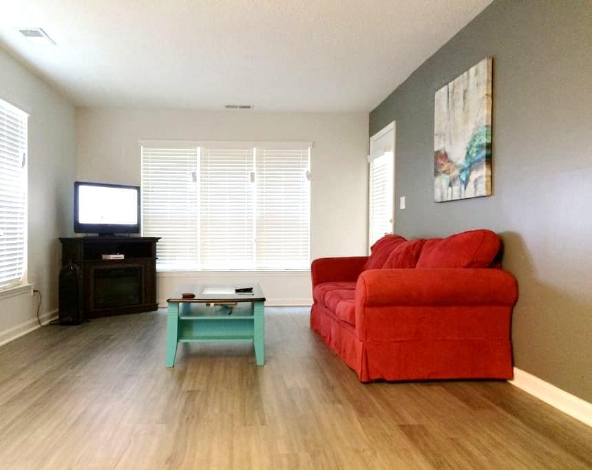 2 ml from downtown and Duke Campus! - Durham - Appartement