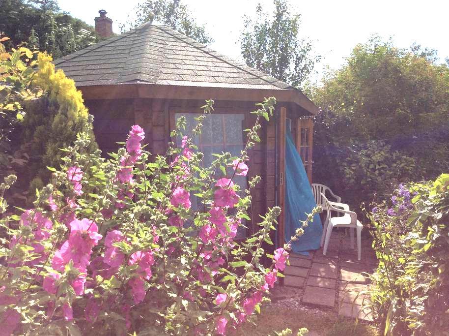 Summer Garden Chalet / Surf Shack - Westward Ho! - 小屋