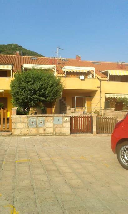 casa a 100 metri dal mare - Porto Alabe - House