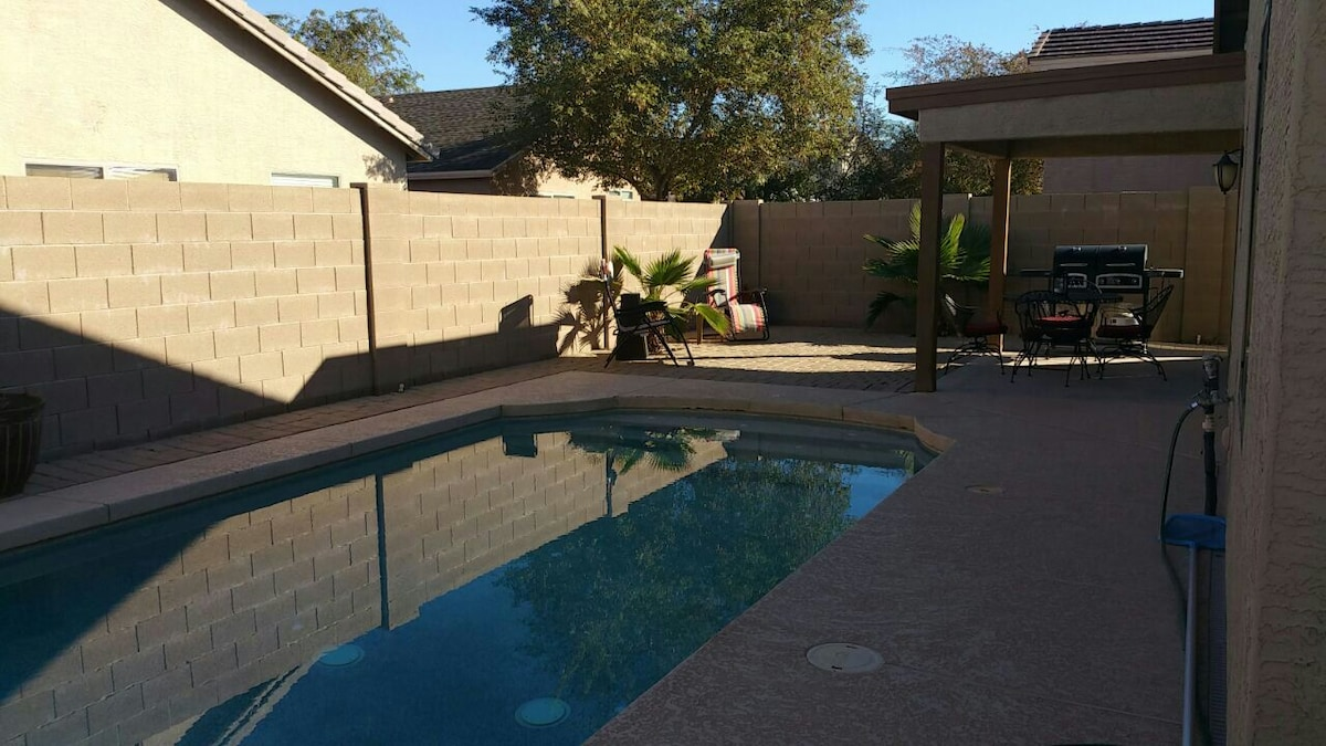 Beatifully decorated with pool