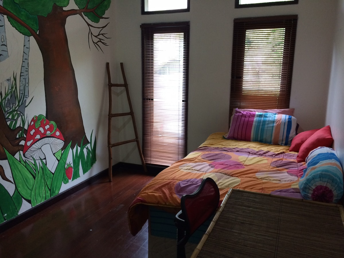 Cute room for 1-2 people