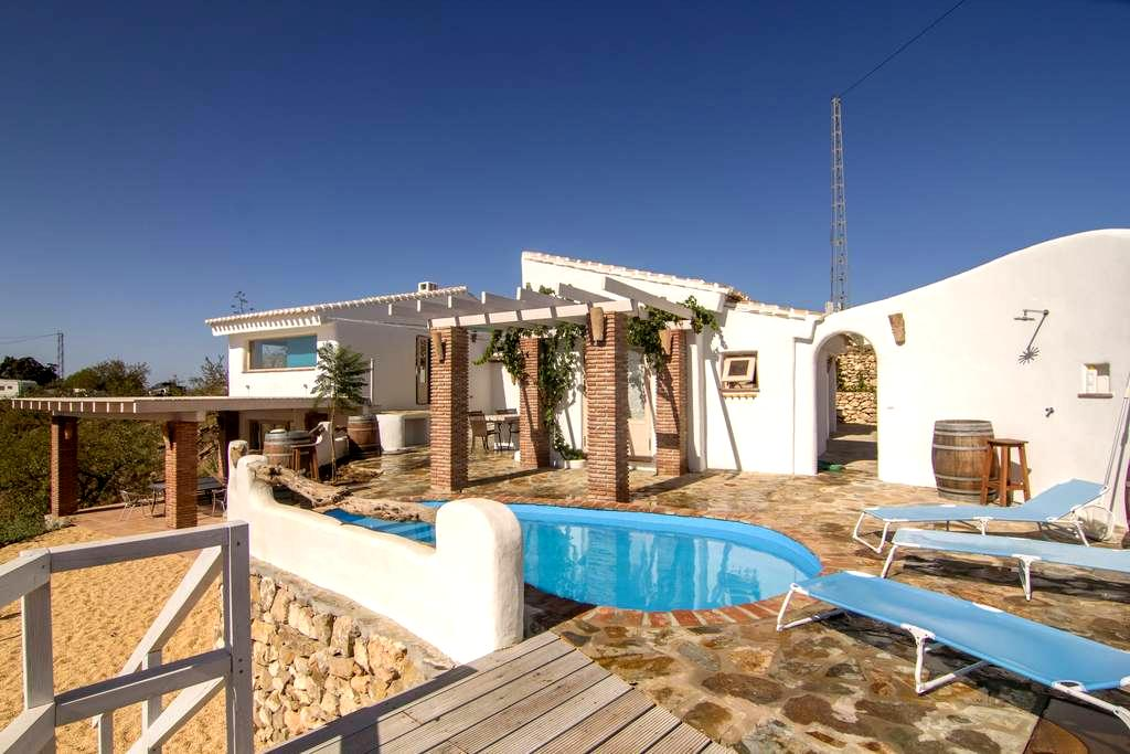 A traditional yet modern rural house with sea view - Velez Malaga - Willa