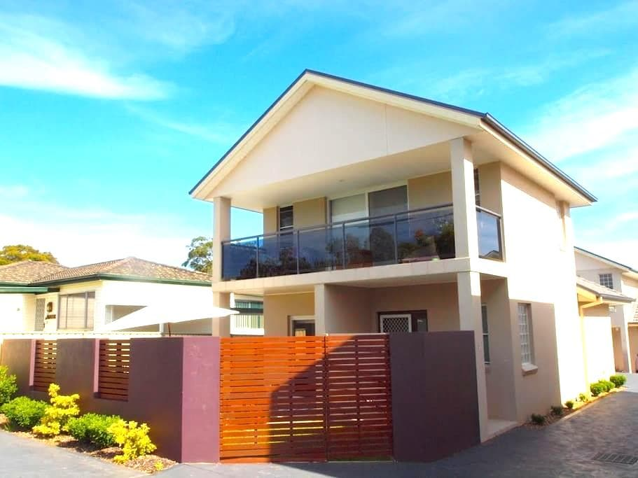 Wildginger Townhouse - Huskisson - Townhouse