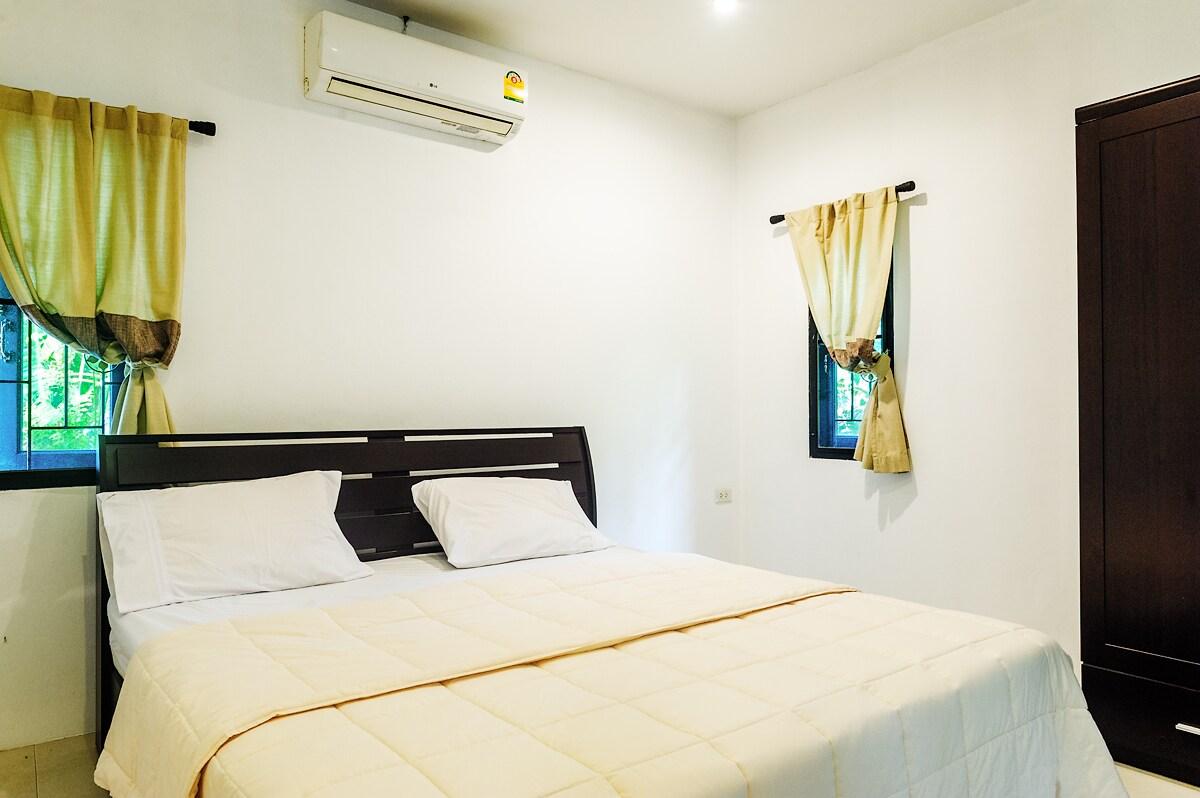 Lovely house 1 bedroom 500m Beach