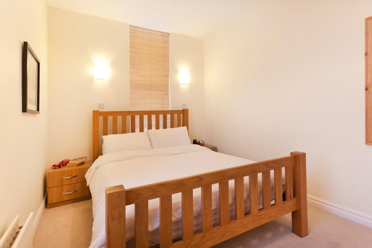 Bright & spacious short term luxury
