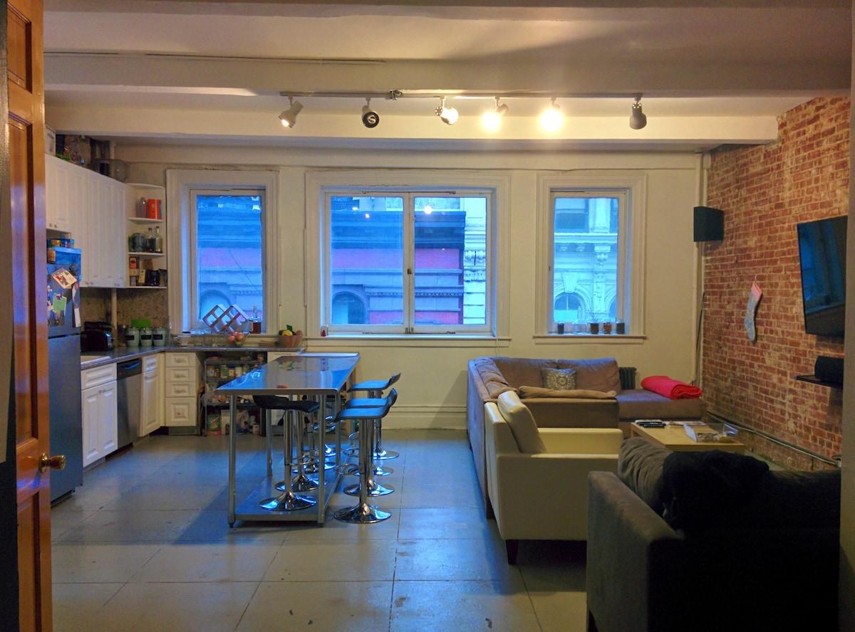 Private Room in Union Square Loft