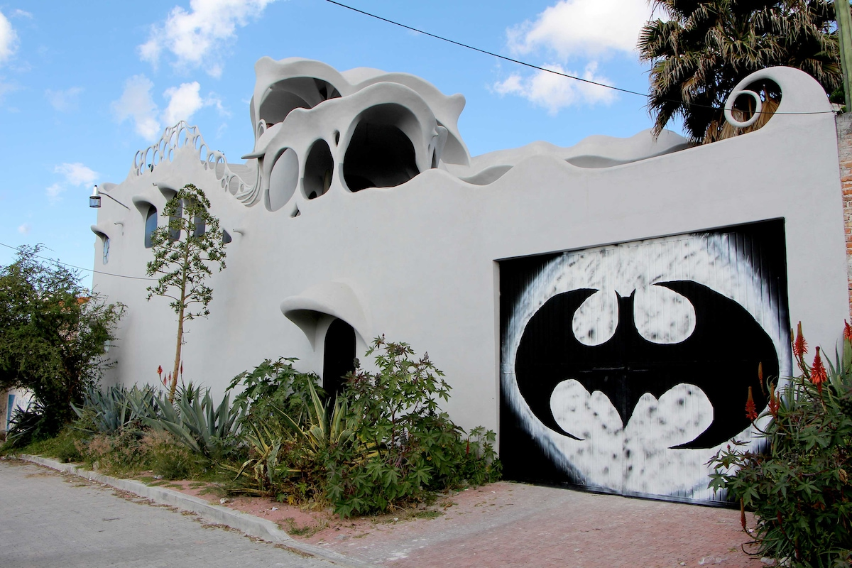 Gaudi Artista fantasy. On H&G Tour.