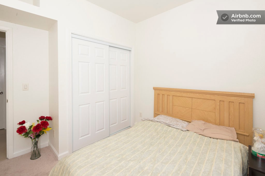 [S3]  Cozy Private Bedroom: Comfortable Mattress Bed ensure you have a sweet dream