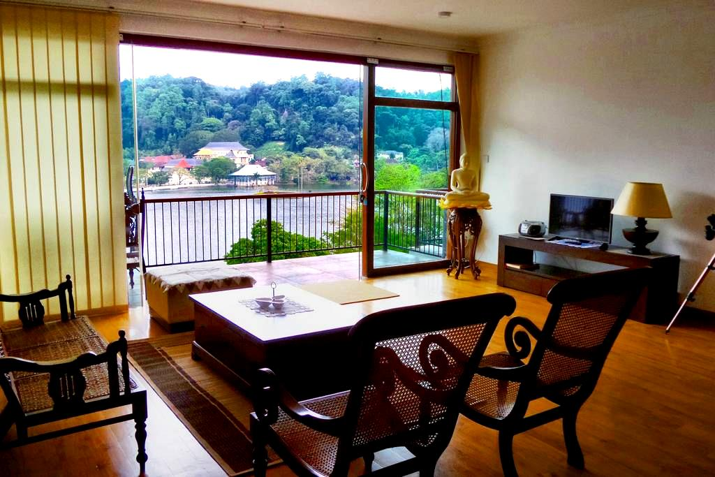 LAKEVIEW POINTE - 3 BEDROOM APARTMENT SUITE - Kandy  - อพาร์ทเมนท์
