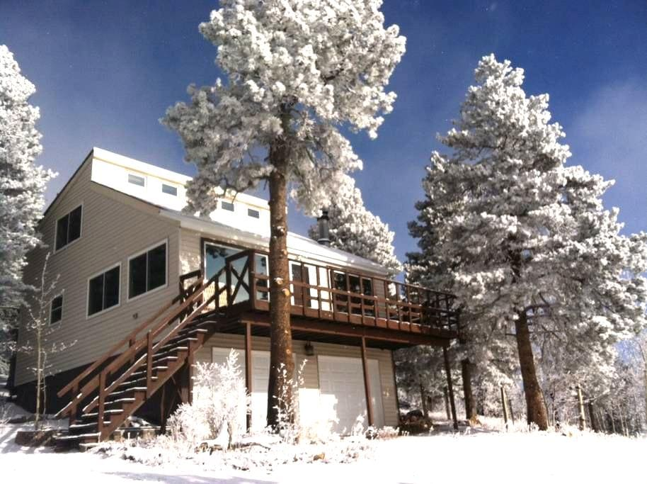 Secluded Mountain Home at 9200 ft - Black Hawk - Casa