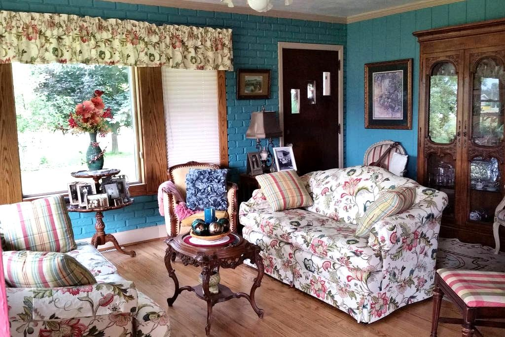 Lake Home stay for EAA - Fond du Lac