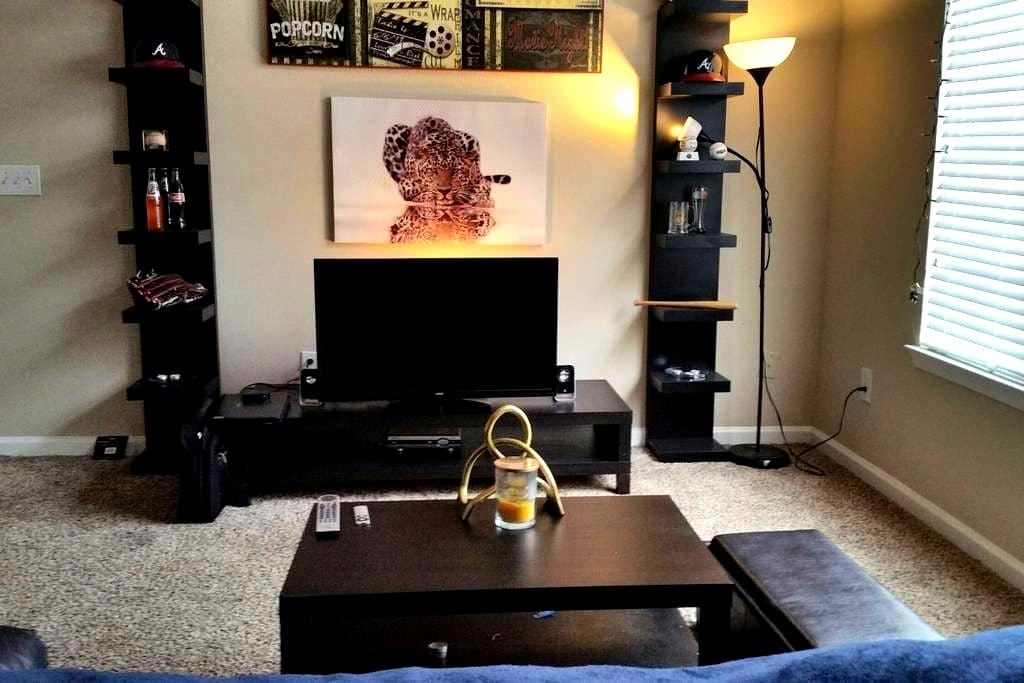 Cozy 1-BDR Private Space - Greenville - Lejlighed