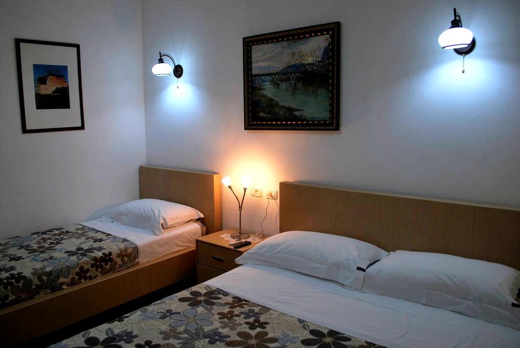 Hotel Osumi Room 2 - Berat - ที่พักพร้อมอาหารเช้า