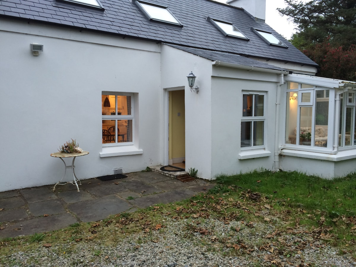 Maum Cottage near the sea Donegal.