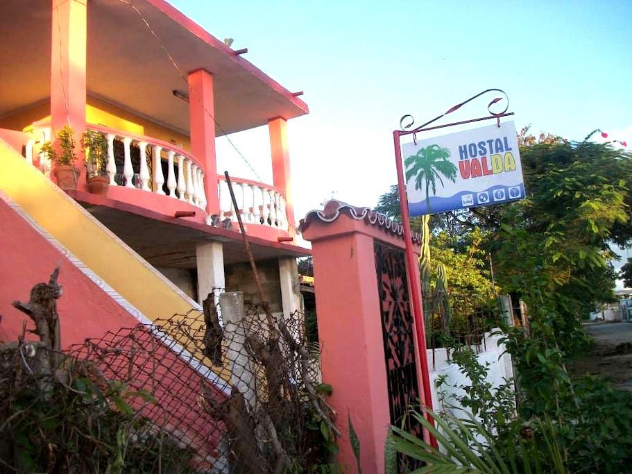Hostal Valda - Trinidad - Bed & Breakfast
