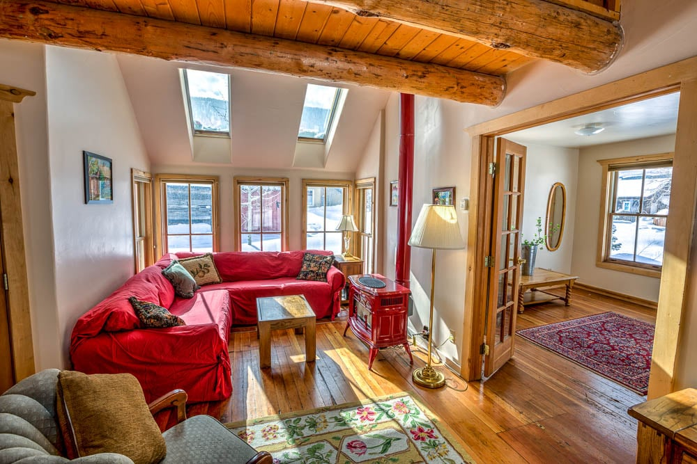 Cozy Home in Heart of Historic Town