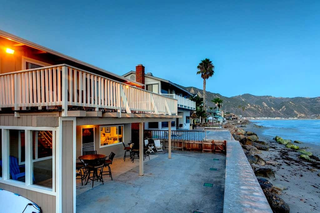 Waters Edge Cottage at Faria Beach - Ventura