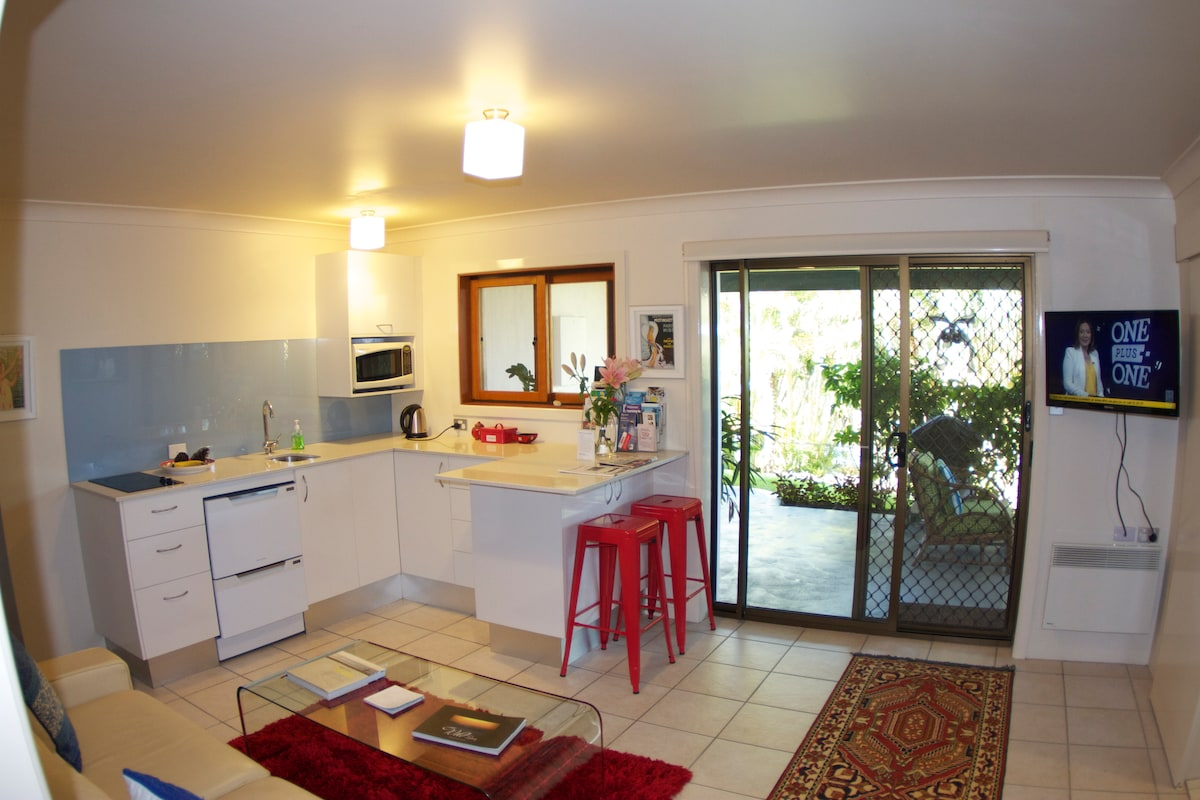 Open, spacious, fully equipped  kitchen, with loads of bench space.