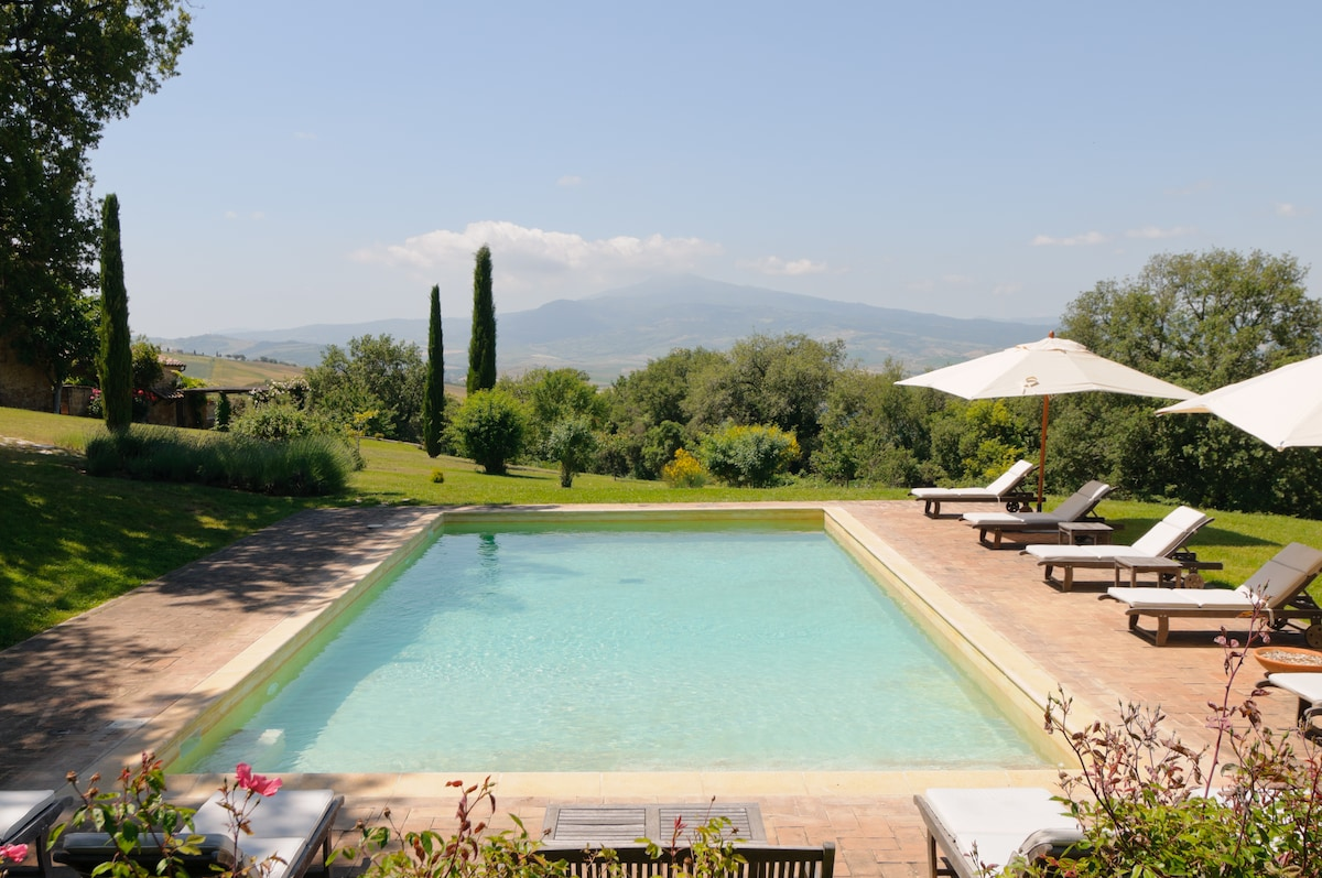 JUST FOR 2 in a TUSCAN FARMHOUSE