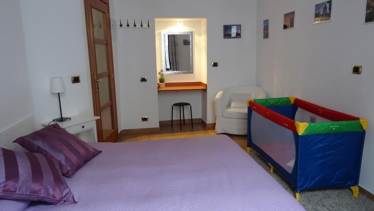 Dettaglio seconda stanza Matrimoniale - 2nd Double Bedroom detail