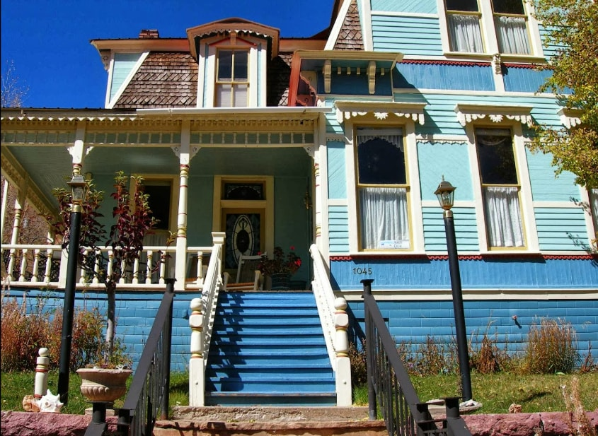 Large Historic Home in Silverton