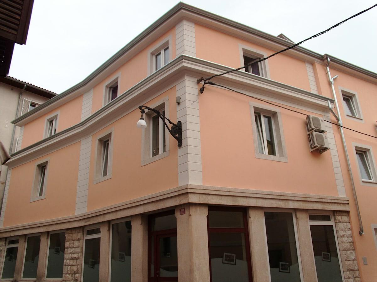 Cozy apartment in city center Koper