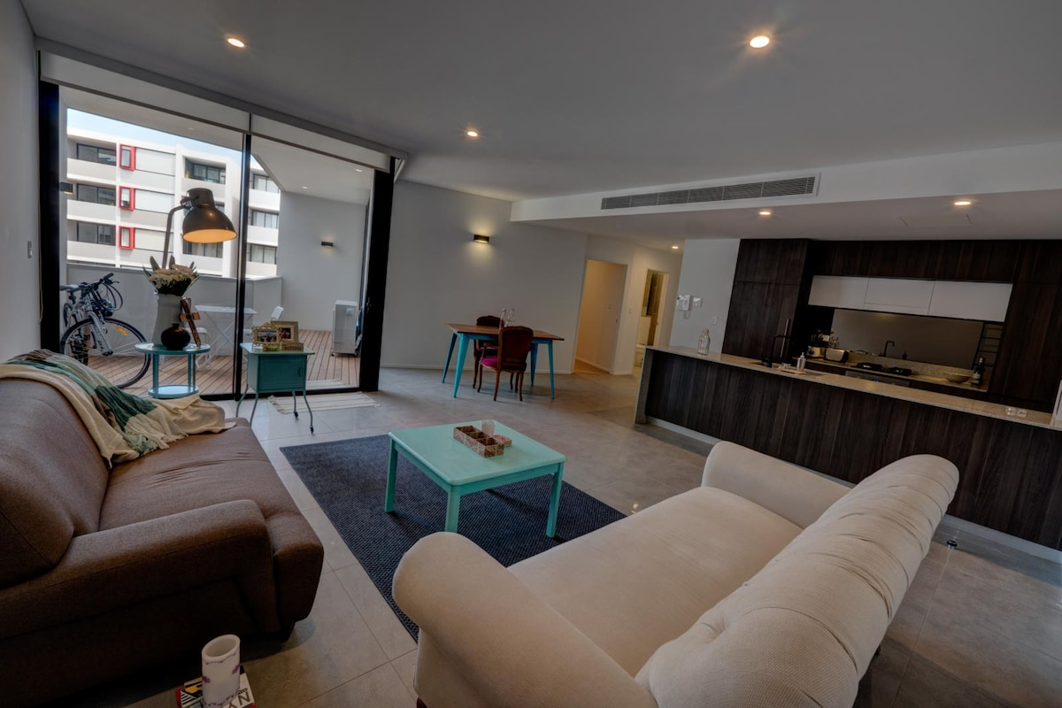 Brand new flat 3km from Sydney CBD!