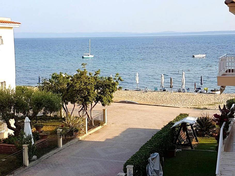 Brand new apartment in Gerakini, 10m from Beach - Yerakini