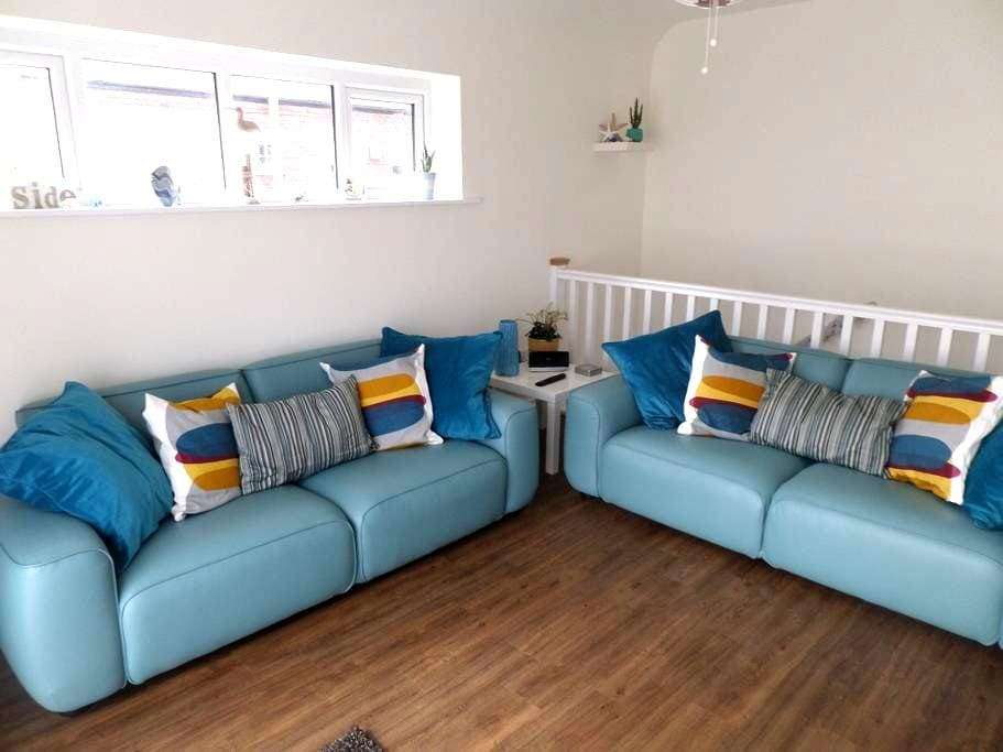 Seaside apartment close to shops and beach - Budleigh Salterton - 公寓