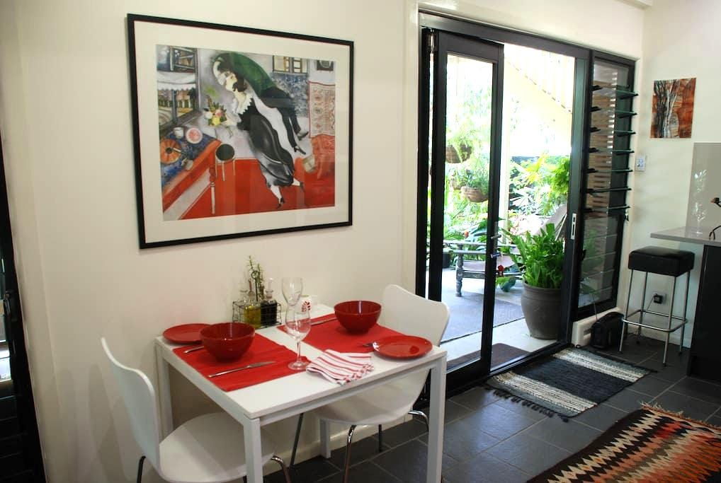 Bamboo Gardens- Home Away From Home - Cannon Hill - Casa