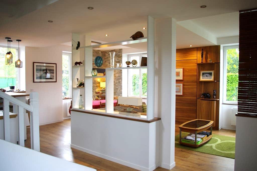 Maison familiale avec jardin à 3 minutes de Dinard - Pleurtuit - Huis