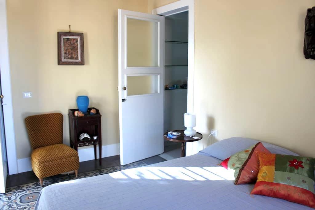 Double  room with private bathroom - อาชิ คัสเตลโล - วิลล่า