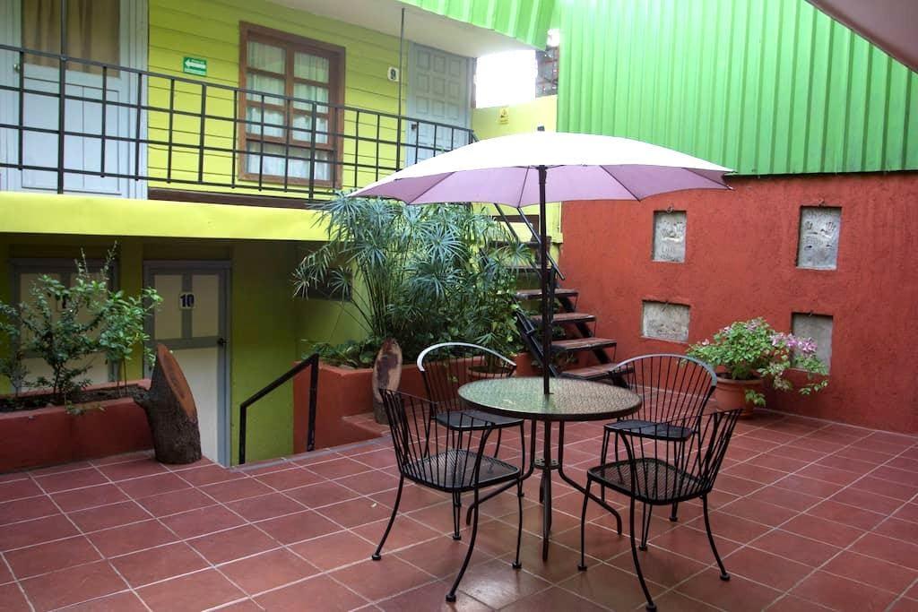 Hostal La Casa de los Abuelos  - Managua