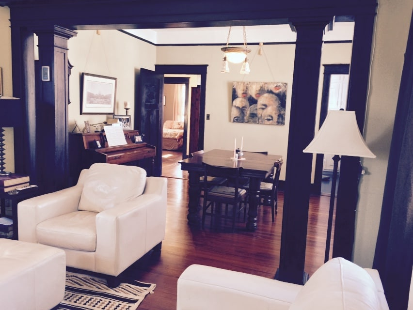 2-Room Suite in Safe, Superb Locale