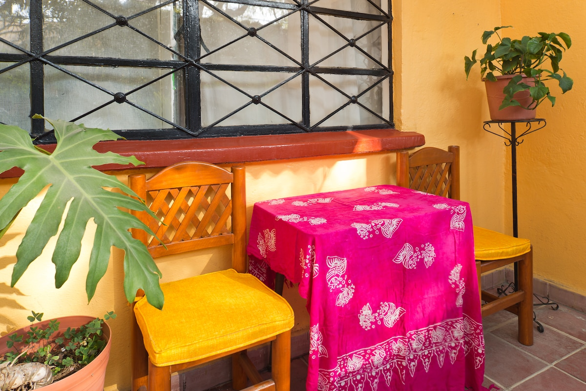 Be a Cyclist Coyoacán Neighbor B&B
